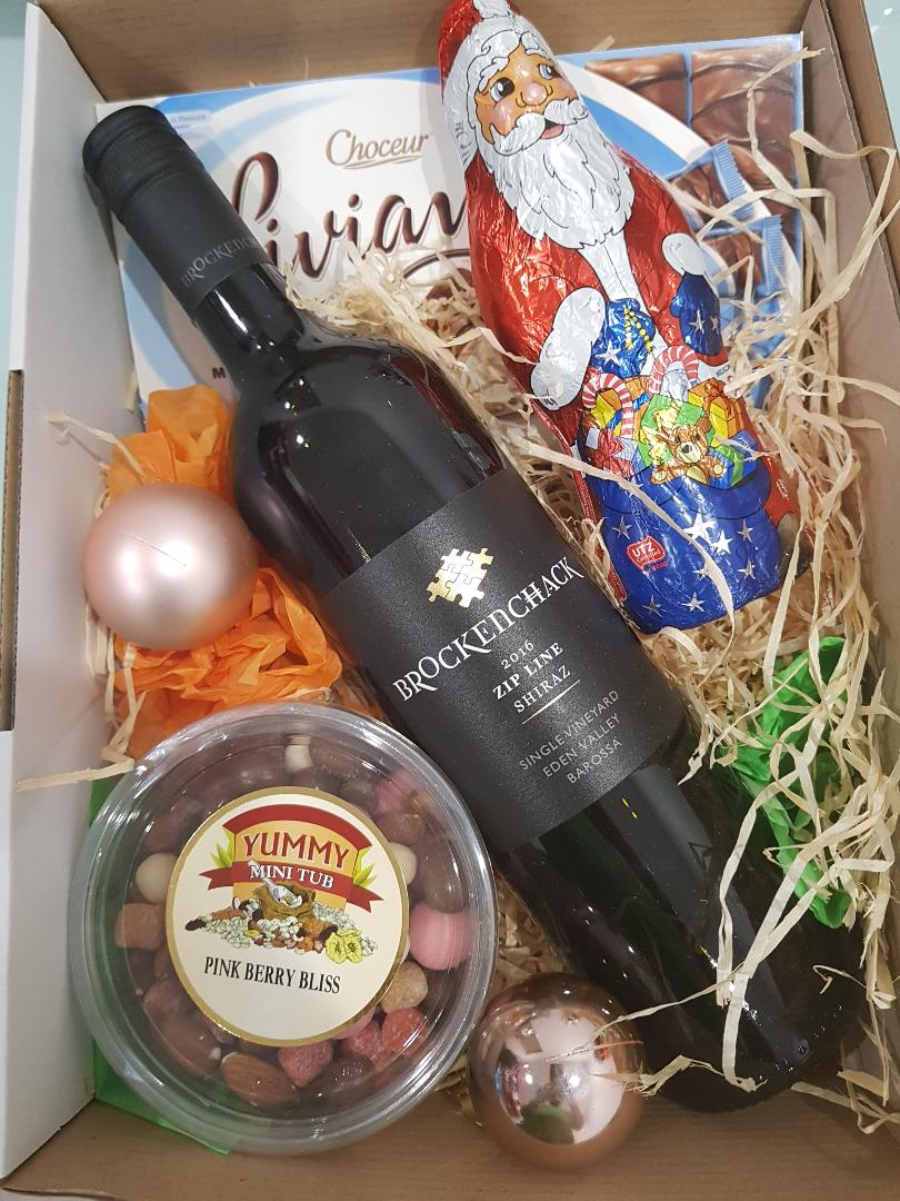 Royal Red Hamper - Premium Red Wine with chocolate and cookies