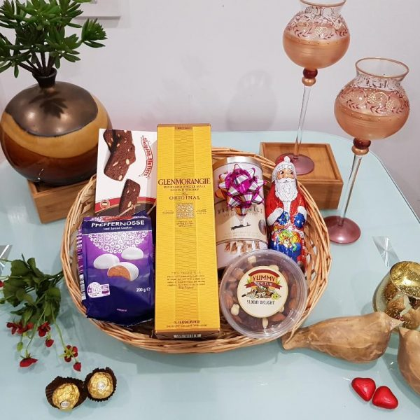 Glenmorangie Magic Gift Hamper - Glenmorangie 10 YO in a box with Cookies, Chocolates and Goodies