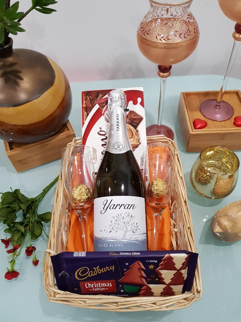 Sparkling Gift Hamper - Sparkling Wine with 2 Flutes, chocolate and cookies