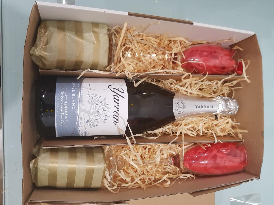 Sparkling Wishes Gift Box - Sparkling Wine with 2 Flutes